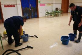 Inundadas cinco aulas del CEIP Sant Jordi por las lluvias del domingo