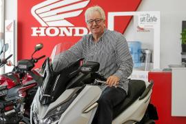 Gordon Roper, propietario del concesionario Honda Ibiza: «Las motos han evolucionado mucho gracias a las nuevas tecnologías»