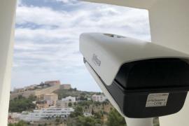 La Agrupación Astronómica de Ibiza instala nuevas cámaras para detectar bólidos en Puig des Molins