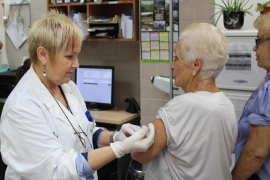 Los enfermeros podrán recetar medicamentos y dispensar vacunas desde este miércoles
