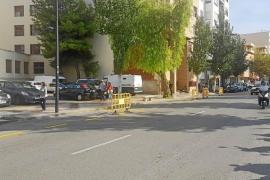Autoridades judiciales y policiales analizan con Vila la parada de bus ante los juzgados