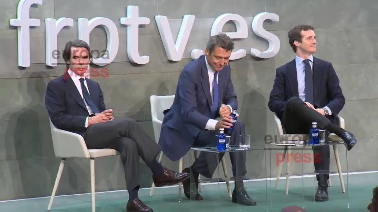 Casado y Aznar exhiben su sintonía al defender la refundación del centro-derecha