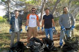 La venta ambulante deja casi 800 kilos de residuos en el Parque de ses Salines