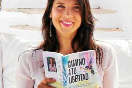 Sandra Monsálvez: «Está en nuestras propias manos poder vivir una película de terror o una vida espléndida»