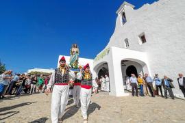 Sant Rafel homenajea a su patrón, a Cati Ribas y a Bernardo Bonet Ribas