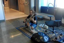 Plantagrama celebra dos años de humanización con el sitar de David Devanagri