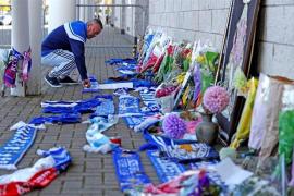 El dueño del Leicester City y su hija fallecen en el accidente del helicóptero estrellado junto al estadio del club