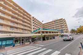 Los empresarios de Sant Antoni reformarán una decena de hoteles por 40 millones de euros