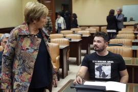 Rufián protagoniza un nuevo incidente al llevar una camiseta con Rato en prisión