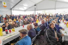 Sant Carles celebra una fiesta muy entrañable para los mayores de 80 años