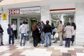 El paro baja un 2,29% interanual en Baleares en octubre
