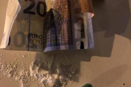 """Detenido en Ibiza un septuagenario por el robo con fuerza de un móvil y un """"smart watch"""""""