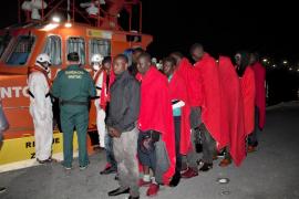 Inmigrantes llegados en buen estado a Motril