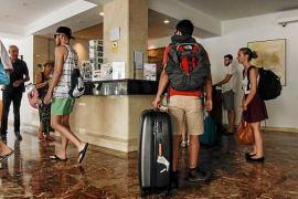 Las Pitiusas pierden 42.000 turistas británicos en los primeros nueve meses del año