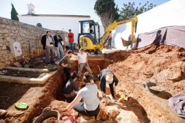 Continúan los trabajos de exhumación en el Cementeri Vell de ses Figueretes