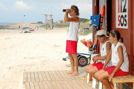 Los socorristas de Formentera rescataron a 70 personas en un verano con tres muertes