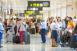 El aeropuerto de Ibiza registra entre enero y octubre 7,7 millones de pasajeros