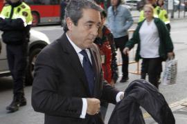 """Campos: """"Camps iba a firmar la conformidad el día que al final  dimitió"""""""