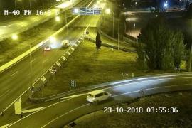 Muere atropellado un hombre tras viajar de polizón en una furgoneta y caerse a la vía en la M-40