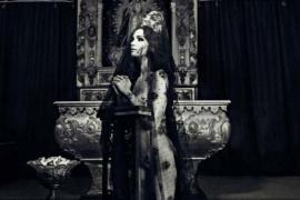 Escándalo por un calendario erótico protagonizado por Paz Vega