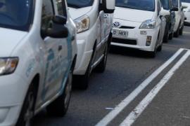 El Gobierno propone prohibir la venta de coches de gasolina, diésel e híbridos