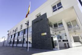 Detenido un hombre que estafó 43.900 euros en cheques bancarios de un hotel de Santa Eulària