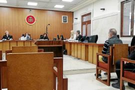 Seis años de cárcel para un hombre cazado al llegar a Ibiza con un kilo de cocaína y medio de heroína