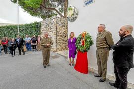 Una corona de laurel recuerda los 175 años desde la muerte de Lluís Balansat