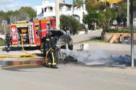 Arden siete contenedores en tres días por restos de torradas en Sant Antoni