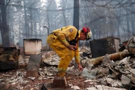 Aumenta a 76 el número de muertos por los incendios en el norte de California