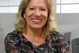 Cristina Molina Mirazu: «Hay familias de las que he atendido hasta a la cuarta generación de mujeres»