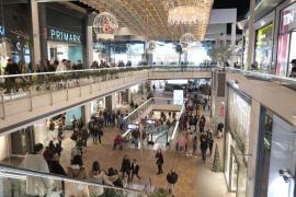 Cerca de 110.000 baleares financiarán sus compras de Navidad