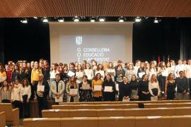 Reconocimiento al mérito académico para más de 100 alumnos de las Pitiusas