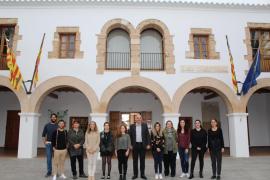 Santa Eulària contrata a cinco jóvenes a través de un programa del SOIB