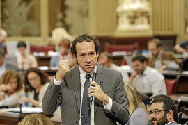 Aguilera lamenta el «grave abandono hacia Ibiza y Balears» por parte del Govern