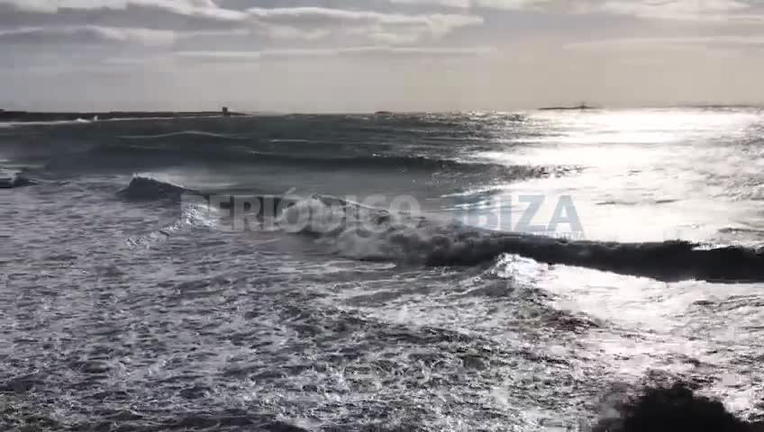 Reabierto el puerto de la Savina por fuertes rachas de viento