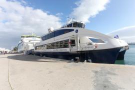 Vientos de 90 kilómetros por hora y un fuerte oleaje aíslan Formentera durante seis horas