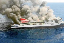 La primera sentencia exculpa a Grimaldi y a Trasmediterránea del incendio del 'Sorrento'