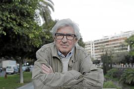 Joan Ramon Bonet: «Antes luchábamos para poder cantar en nuestra lengua, ahora por pensar»