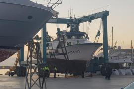 Rescatado y remolcado al puerto de Ibiza el pesquero Nuevo Puerto de Santa Pola tras sufrir una vía de agua