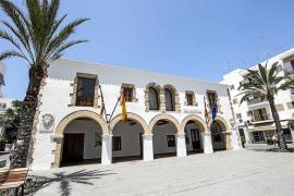 «La Audiencia Provincial tumba la denuncia de Vilás por el hospital de Jesús»