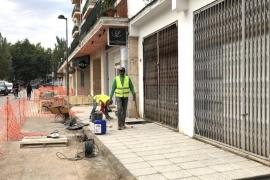 Vila acondiciona las aceras e infraestructuras de la calle Madrid