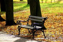 La mujer tenía intención de dormir en un banco del parque junto a la que fue su vivienda.