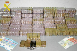 Fiscalía pide penas de 4 años de prisión para dos detenidos con 30 kilos de hachís