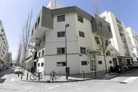 Vecinos del Eixample Nou alegan para frenar el proyecto de obra del albergue