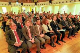 Torres advierte que alimentar extremismos puede tener consecuencias «peligrosas»