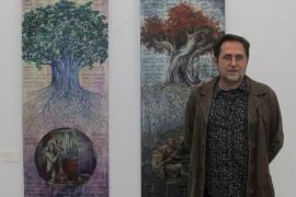 Ramón Pérez Carrió interpreta a Ramón LLull en su última exposición de pintura
