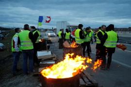"""Detenido un camionero español tras disparar con balas de fogueo contra """"chalecos amarillos"""" en Francia"""