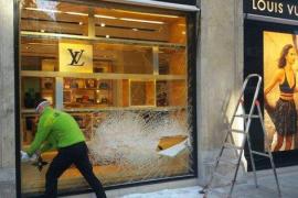 Intento de robo en Louis Vuitton, en Valencia, con tiroteo incluido