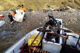 El Ayuntamiento d'Eivissa retira 1.720 kilos de residuos de sa Penya